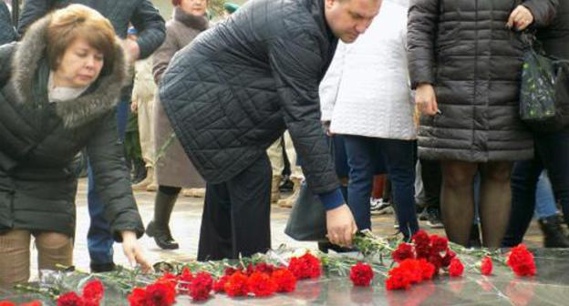Commemorative event dedicated to the anniversary of the terror act committed the Central Marketplace in Minvody in 2001. Photo: press service of the Administration of the city of Mineralnye Vody, http://www.min-vodi.ru/arhiv/item/3028-177754378.html