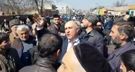 Rally in Nazran, March 27, 2019. Screenshot from video posted by oskanov https://t.me/fortangaorg/2608