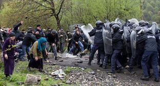 Clashes between protesters and policemen in Birkiani, Georgia, April 21, 2019. Photo: REUTERS / Ekaterina Anchevskaya