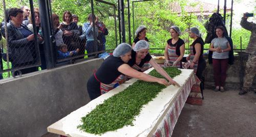 "Bakers in Nagorno-Karabakh are cooking zhengyalov khats (bread with herbs). Photo by Alvard Grigoryan for the ""Caucasian Knot"""