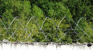 Barbed wire at high security facility. Photo by Nina Tumanova for the Caucasian Knot