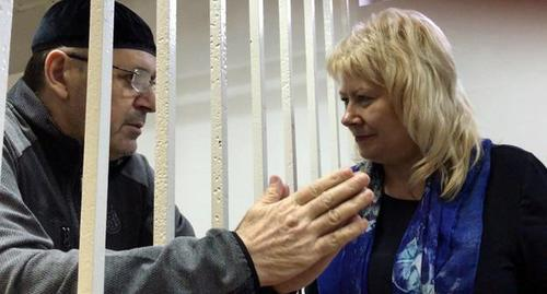 Oyub Titiev with his advocate Marina Dubrovina. Photo by the Caucasian Knot