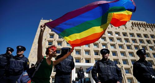 A participant of the LGBT action in Tbilisi. May 2017. Photo: REUTERS/David Mdzinarishvili