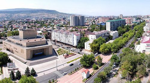 Makhachkala. Photo: Shamil Magomedov / Creative Commons Attribution-Share Alike 2.0 Generic https://commons.wikimedia.org/wiki/File:Capital_of_Dagestan.jpg?uselang=ru