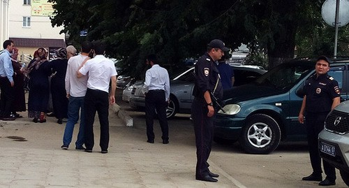Policemen at the courthouse where court session in the Sautieva's case took place, Nalchik, August 1, 2019. Photo by Lyudmila Maratova for the Caucasian Knot