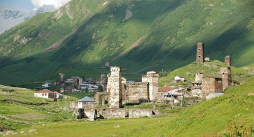 Svaneti towers in Ushguli. Photo: Florian Pinel, http://commons.wikimedia.org/w/index.php?curid=23654065
