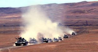 Azerbaijani tanks. Photo: press service of the Ministry of Defence of Azerbaijan, https://mod.gov.az