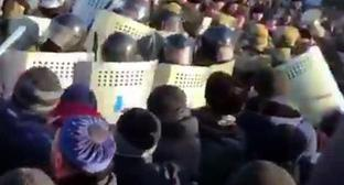 Clashes between Rosgvardia agents and participants of rally in Magas, March 27, 2019. Screenshot from video by Zarifa Sautieva