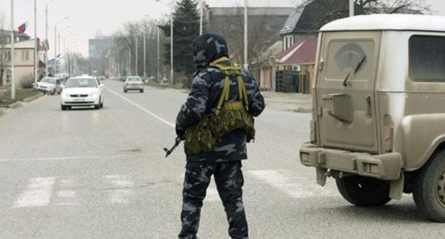 Grozny residents carp all but bulk constabulary raids conducted headed for bill people's apartments
