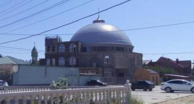 "The mosque in General Omarov (Hungarian Soldiers) Street in Makhachkala. Photo by Patimat Makhmudova for the ""Caucasian Knot"""