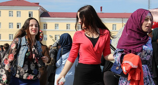 "Girls in Grozny. Photo by Magomed Magomedov for the ""Caucasian Knot"""