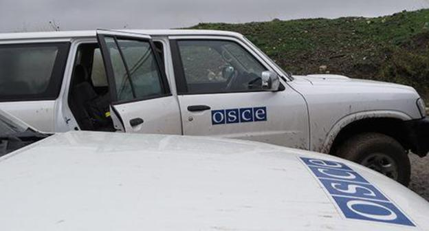 "Cars of the OSCE monitoring mission. Nagorno-Karabakh. Photo by Alvard Grigoryan for the ""Caucasian Knot"""
