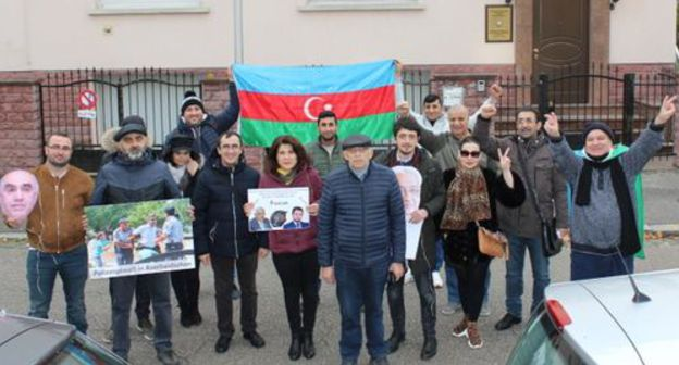 "Activists of the organization ""For Democracy in Azerbaijan"" (AND). Photo by the press service of AND https://www.facebook.com/azerbaycannaminedemokratiya/photos/a.158614667924657/793646984421419/?type=3&theater"
