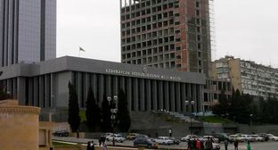 Parliament of Azerbaijan. Photo: Tony Bowden, http://www.flickr.com