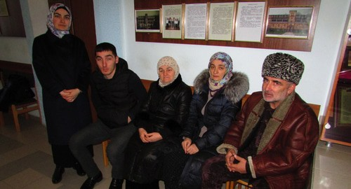 Relatives of Rezvan Ozdoev in the court. Photo by Vyacheslav Yaschenko for the Caucasian Knot