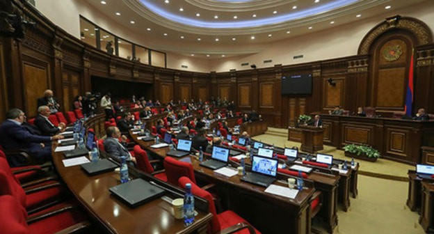 Armenian parliament allows police tapping citizens' phone conversations