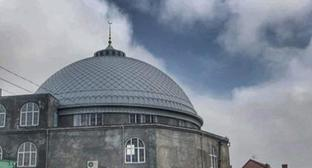 "The ""Tangim"" Mosque in Makhachkala. Photo by Magomed Akhmedov for the ""Caucasian Knot"""