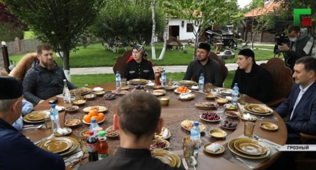 Residents of Chechnya draw attention to authorities' ignoring mask regime