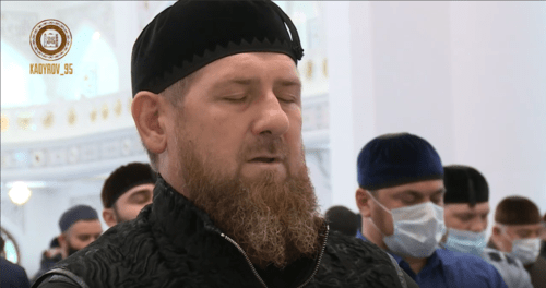Ramzan Kadyrov at Friday's Juma-namaz (prayer) in Shali. June 5, 2020. Screenshot of the video https://vk.com/video279938622_456243200