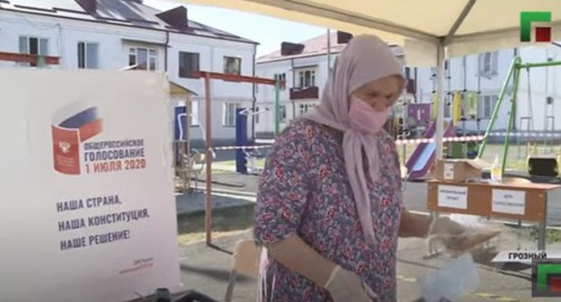 At a polling station in Chechnya. Screenshot of the video https://www.youtube.com/watch?v=1RNU6ilS3wo