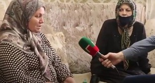 Interview with Madina Umaeva's mother. Screenshot from video by @heda_saratova