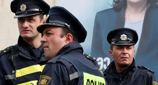 Georgian policemen. Photo: REUTERS DAVID MDZINARISHVILI