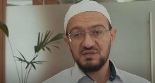 Zainulla-Haji Ataev, the head of the Fatwa Division under the Dagestani Muftiate. Screenshot of the video https://www.youtube.com/watch?v=SL8GGNlI6W8