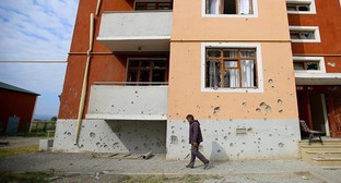 A house in Azerbaijan with traces of shelling. Photo by Aziz Karimov for the Caucasian Knot
