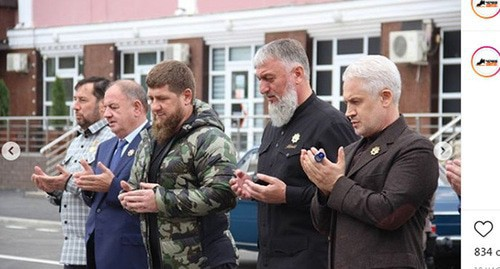 Ramzan Kadyrov (in the center) at the opening of the reconstructed streets of Nursultan Nazarbaev and Industrialnaya in Grozny. Screenshot https://www.instagram.com/p/CF-FEDQp5BF/