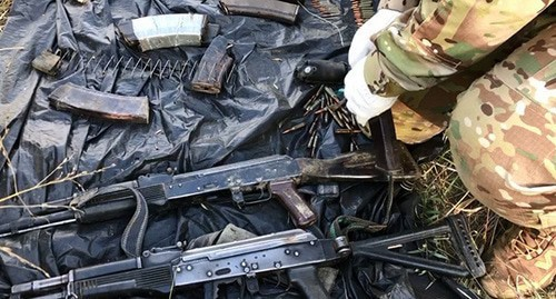 Weapons at the site of special operation. Photo: NAC press service, http://nac.gov.ru/