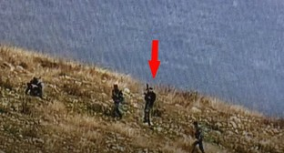 Screenshot of a video filmed in the southeastern direction of the contact line in Karabakh. It is noted that the militants differ both in equipment and behavior from the military personnel of the Azerbaijani Armed Forces. Screenshot of the video by NKR DEFENSE ARMY https://www.youtube.com/watch?v=A7E1RSmHPmo&feature=emb_logo