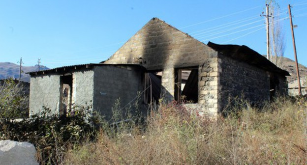 Burned-out house in Karvachar, November 16, 2020. Photo by Armine Martirosyan for the Caucasian Knot