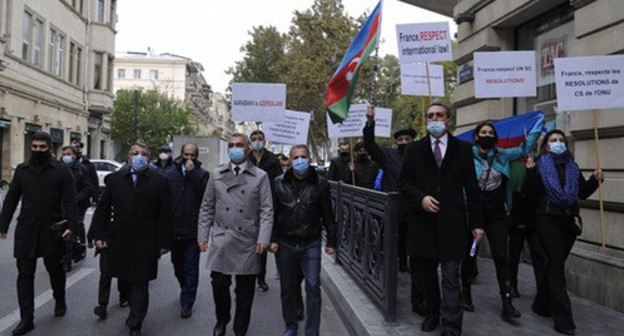 Protest rally in front of the French Embassy in Baku, November 26, 2020. Photo: https://azertag.az/