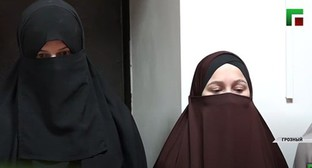 "A story about the ""educational conversation"" of the Chechen Mufti and the girls who had worn niqabs at the police station. Screenshot of video by the ""Grozny"" TV Channel https://www.youtube.com/watch?v=SaHUSbalpGU"