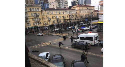 At the scene of a shooting in Grozny. Screenshot https://t.me/bazabazon/5513