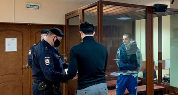 Said-Mukhammad Djumaev (on the right) in the courtroom. Photo by the press service of the Presnensky District Court of Moscow
