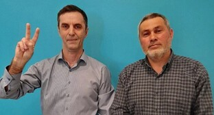Murad Manapov (left) and Eduard Ataev. Photo courtesy of press service of Navalny's office in Makhachkala