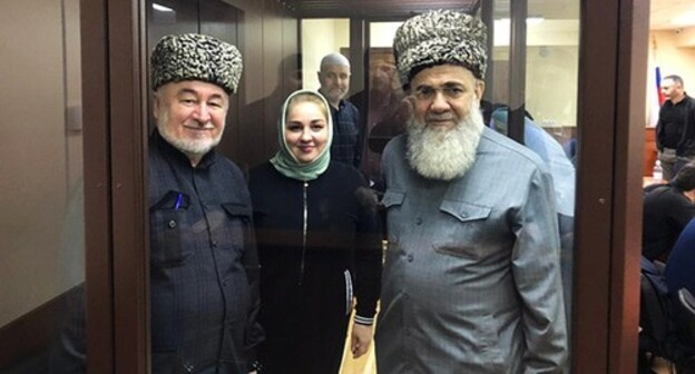 Malsag Uzhakohv, Zarifa Sautieva and Akhmed Barakhoev (from left to right) ahead of the court hearing, March 2021. Photo courtesy of Bagaudin Myakiev